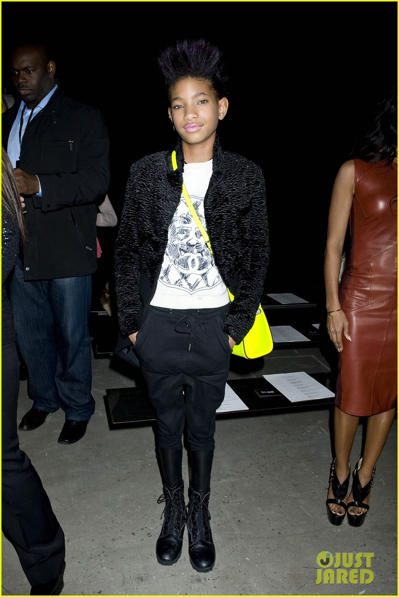 willow jada pinkett smith narciso rodriguez fashion show 02