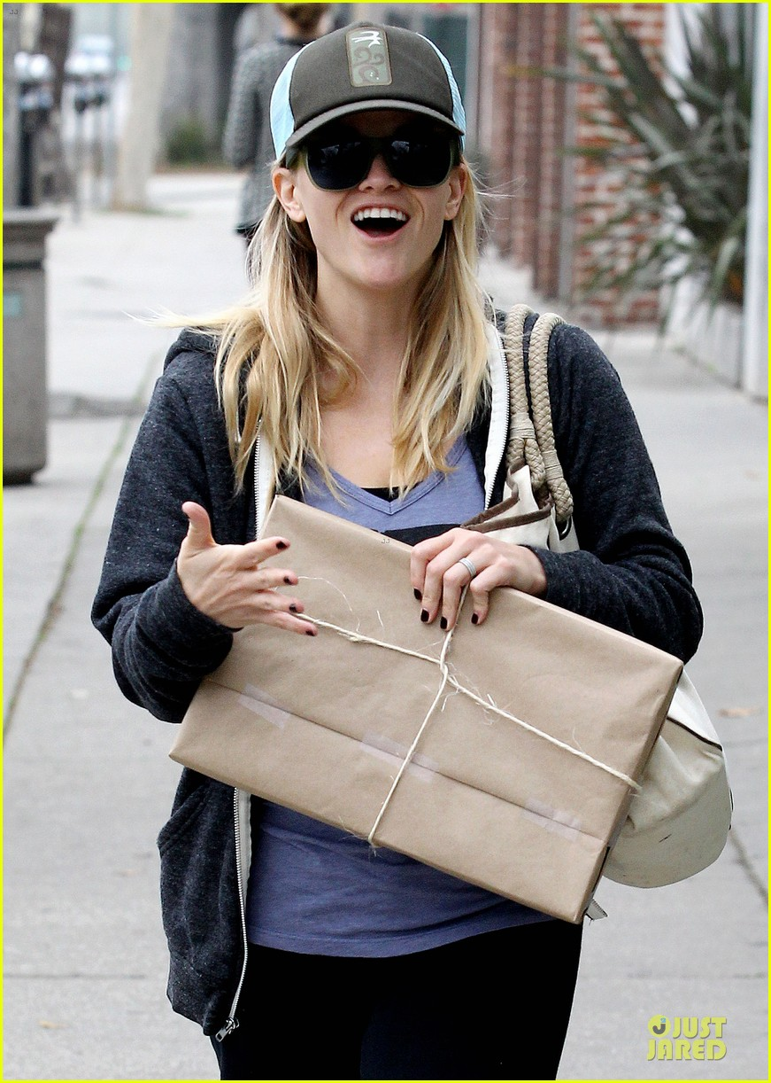 reese witherspoon soul cycle supporter 02