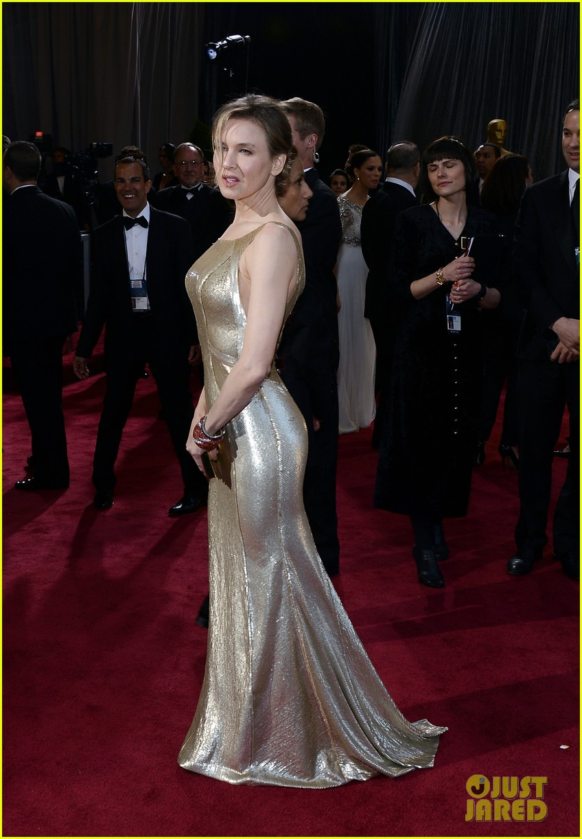renee zellweger queen latifah oscars 2013 red carpet 09