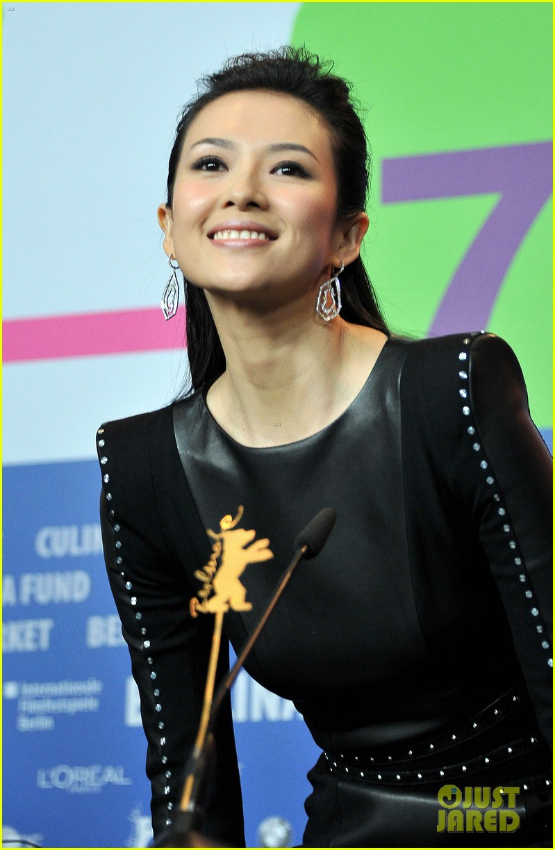 ziyi zhang grandmaster premiere photo call in berlin 022806794