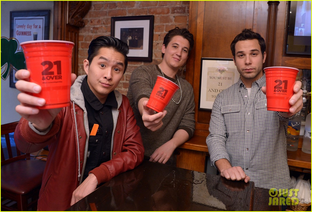 miles teller skylar astin com exclusive interview miles teller skylar astin com exclusive interview