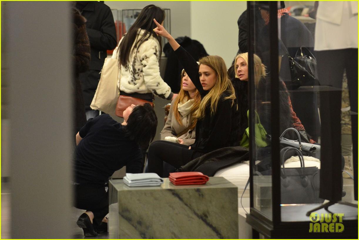 jessica alba kenzo paris fashion show 35