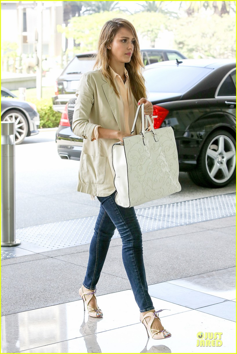 Full Sized Photo of jessica alba cash warren matsuhisa ...