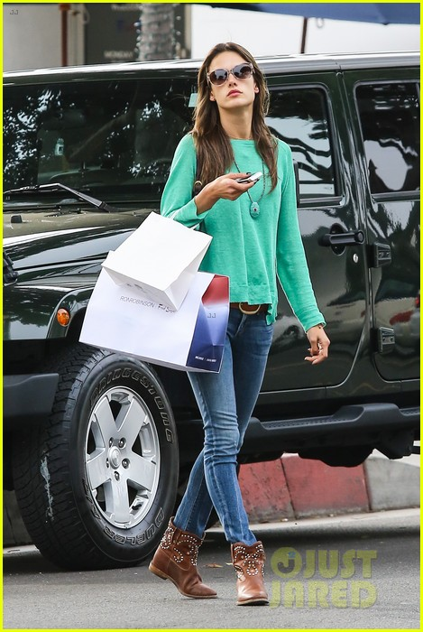 alessandra ambrosio fred segal shopper 432833236