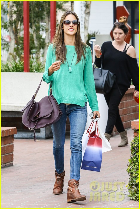 alessandra ambrosio fred segal shopper 442833237