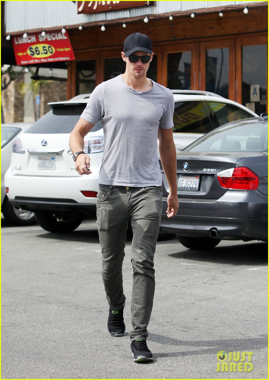 alexander skarsgard pimai its thai lunch 032833417