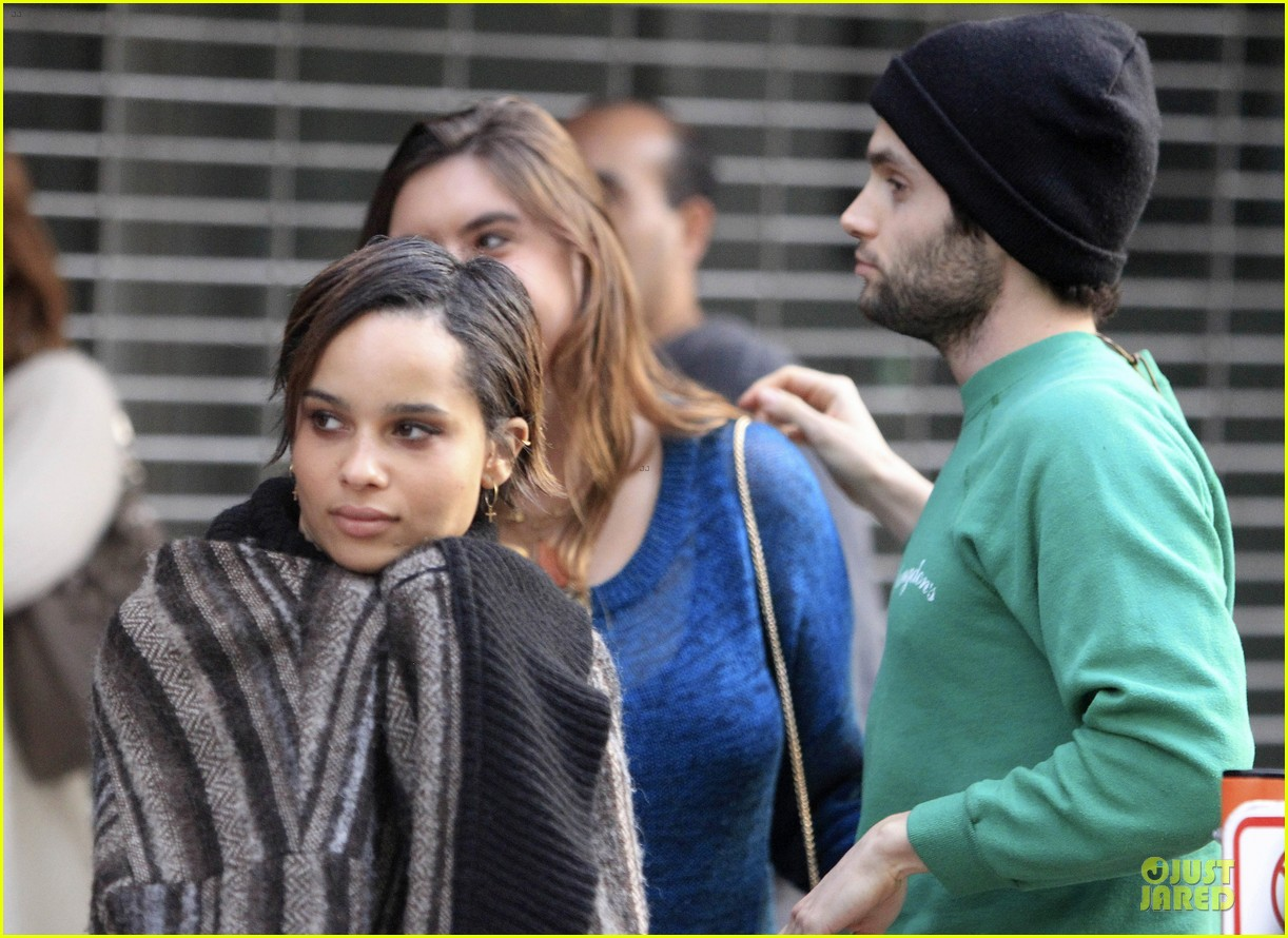 penn badgley zoe kravitz the boy who smells like fish premiere 05