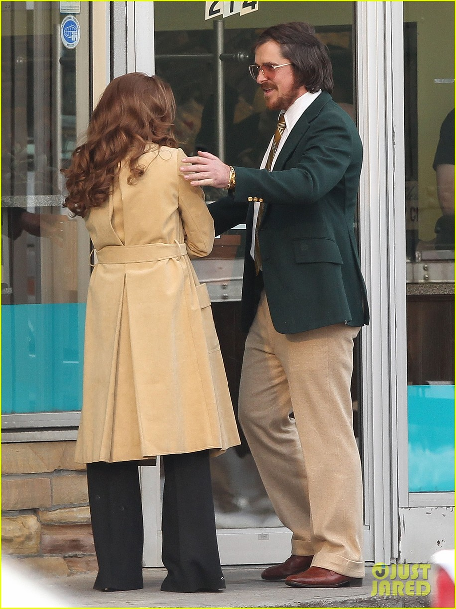 christian bale comb over cut for abscam with amy adams 05