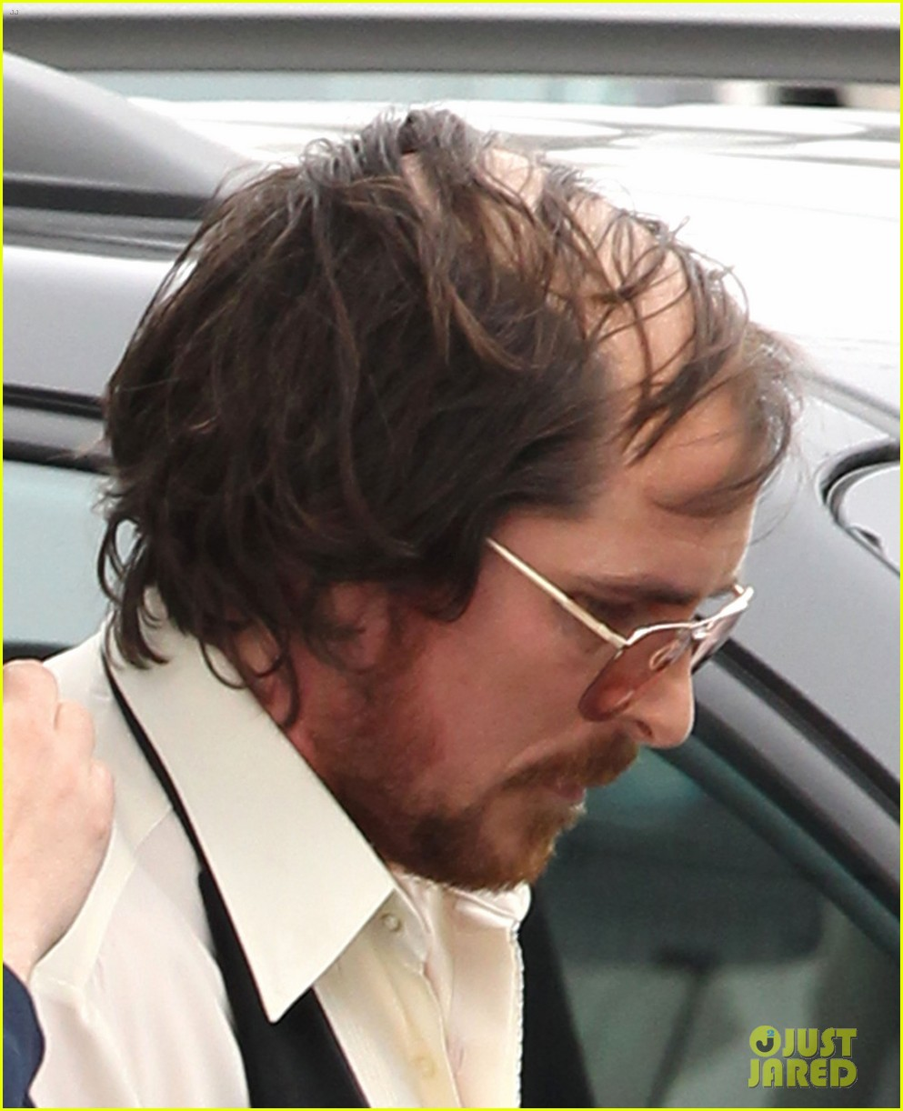 christian bale comb over cut for abscam with amy adams 23