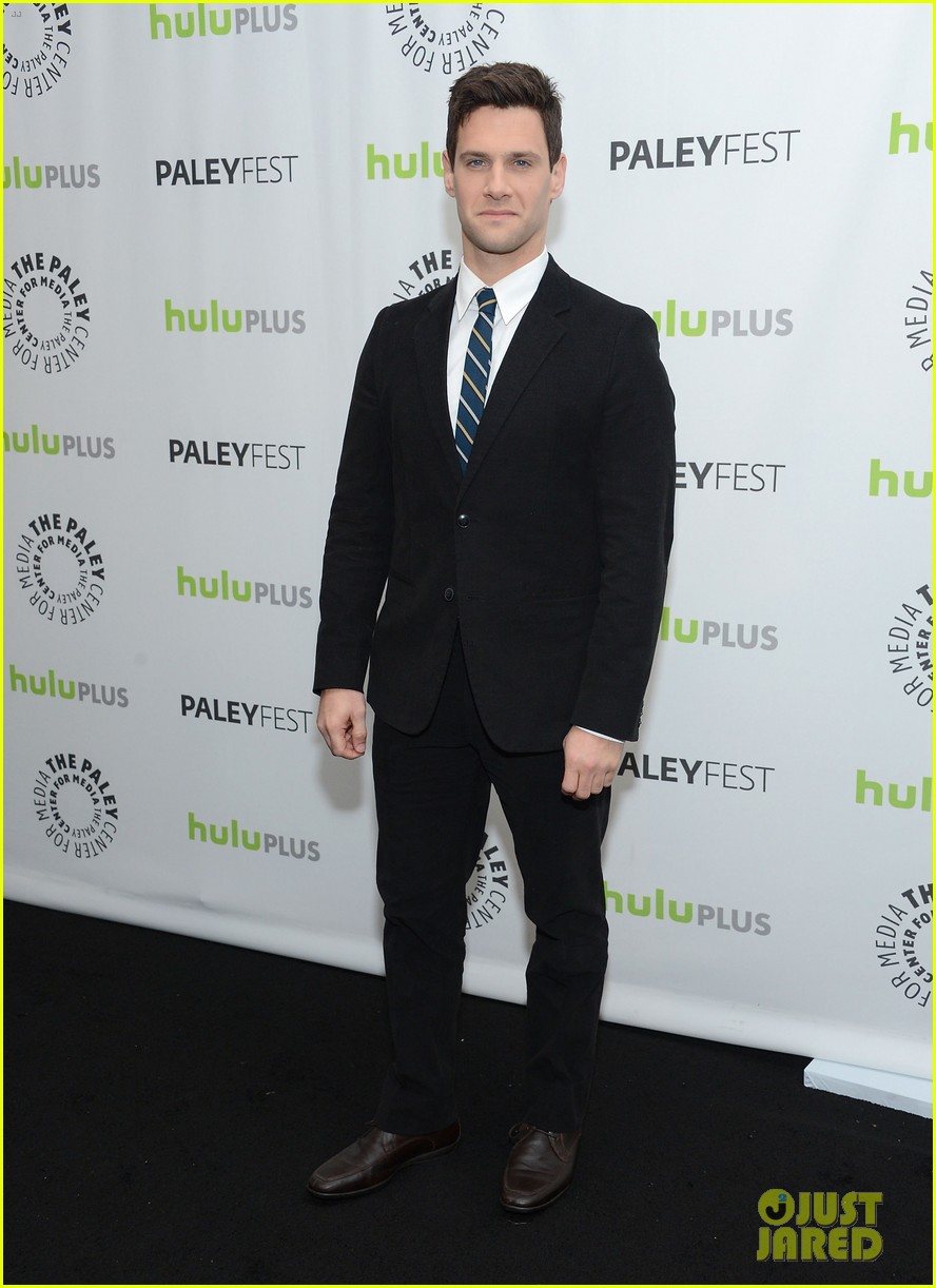 justin bartha andrew rannells new normal at paleyfest 21