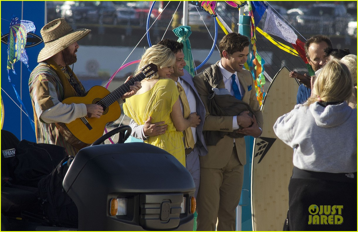 andrew rannells justin bartha new normal beach filming 09