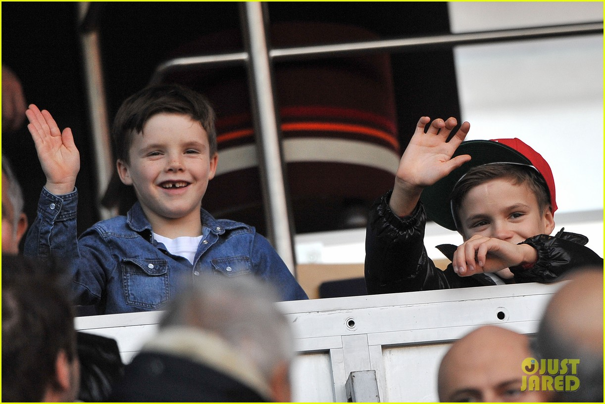 victoria beckham kids cheer on david beckham 032828408