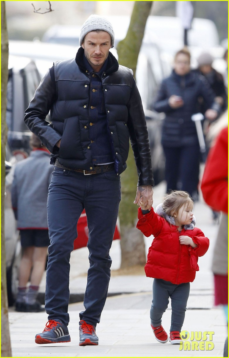 david beckham holding hands with harper 052838657