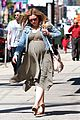 kristen bell baby bumpin monday 05