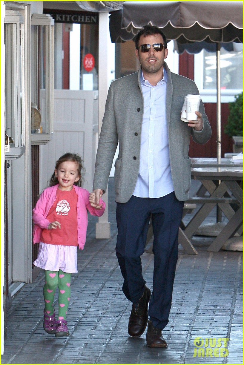 ben affleck breakfast stop with seraphina 292823089