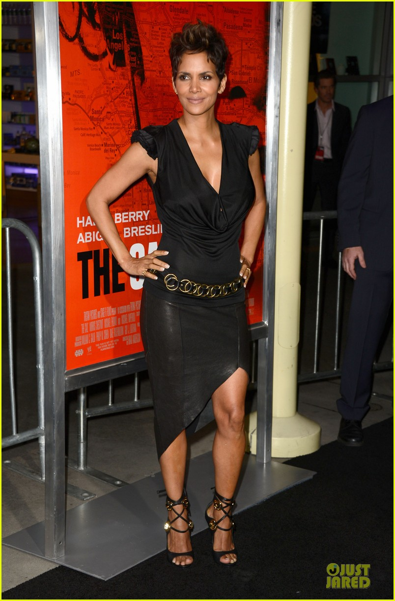 halle berry abigail breslin the call hollywood premiere 132825780