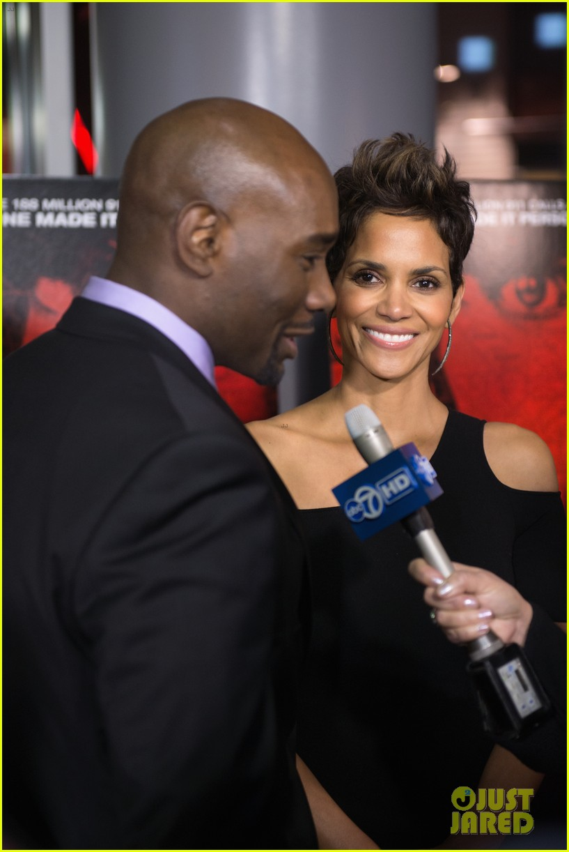 halle berry the call chicago premiere 08