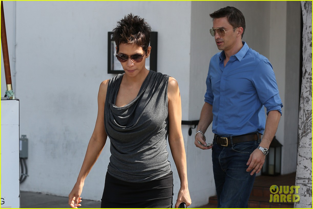 halle berry olivier martinez fig olive lunch 022837582