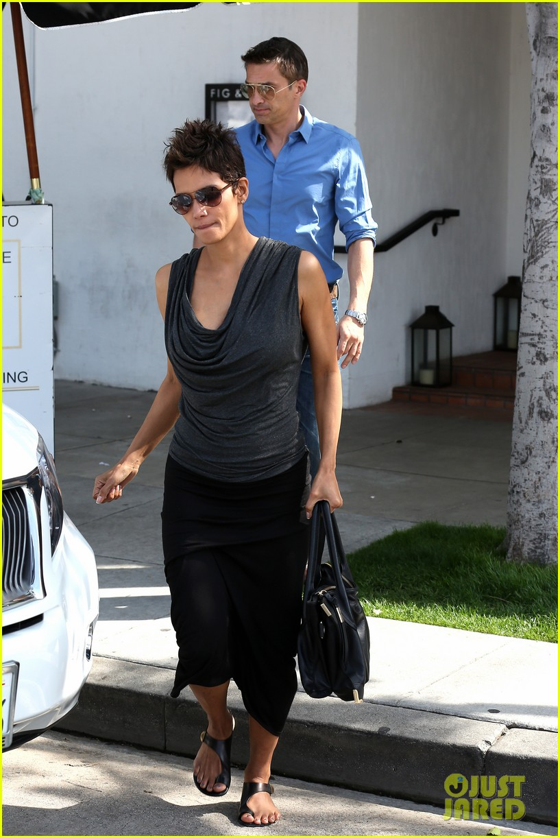 halle berry olivier martinez fig olive lunch 072837587