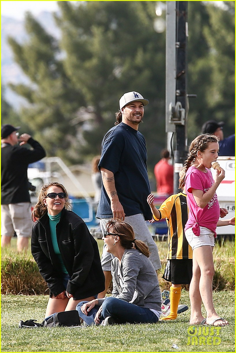 britney spears kevin federline sean preston jayden james soccer games 01