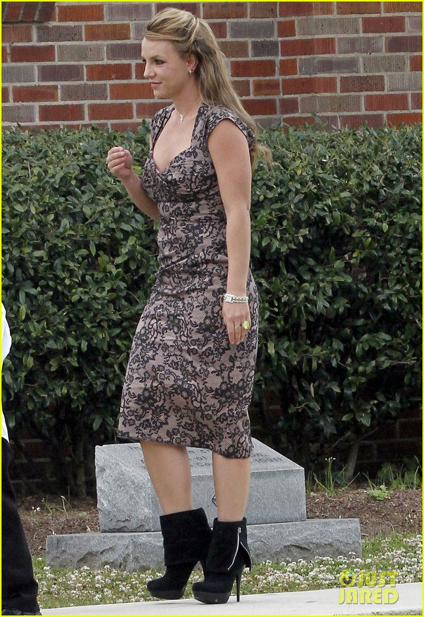 britney spears easter church service with the family 01