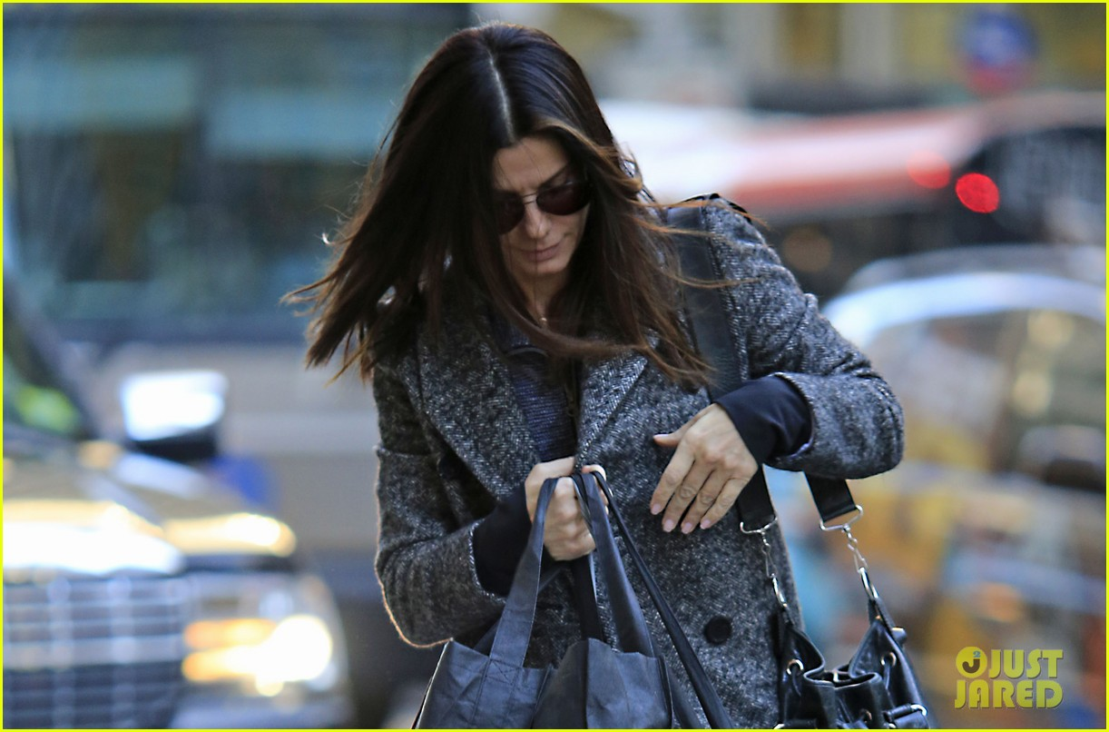 sandra bullock louis hello new york city 02