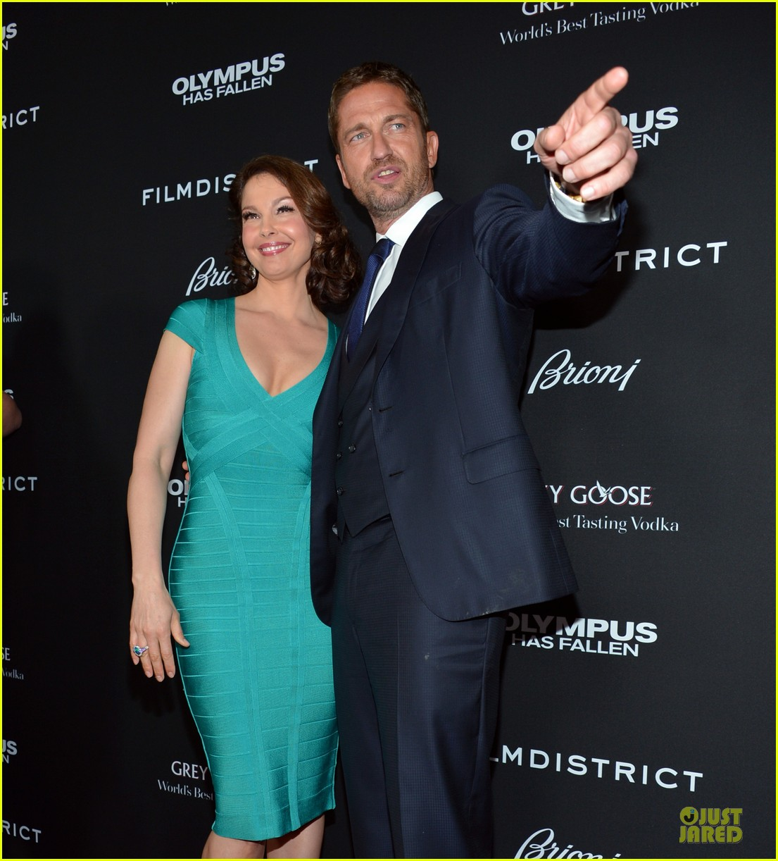 gerard butler olympic has fallen hollywood premiere 16