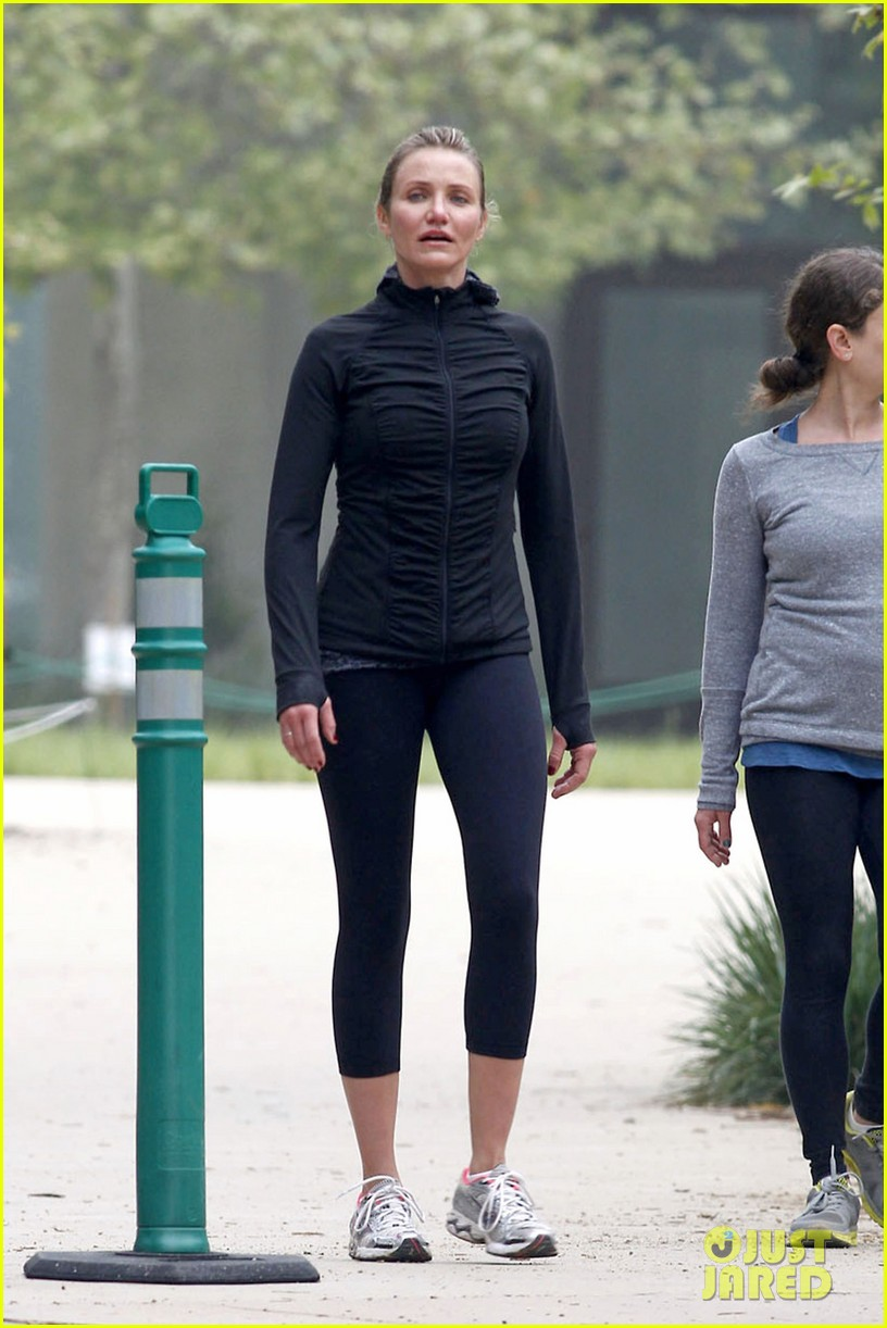 cameron diaz hiking in la 03