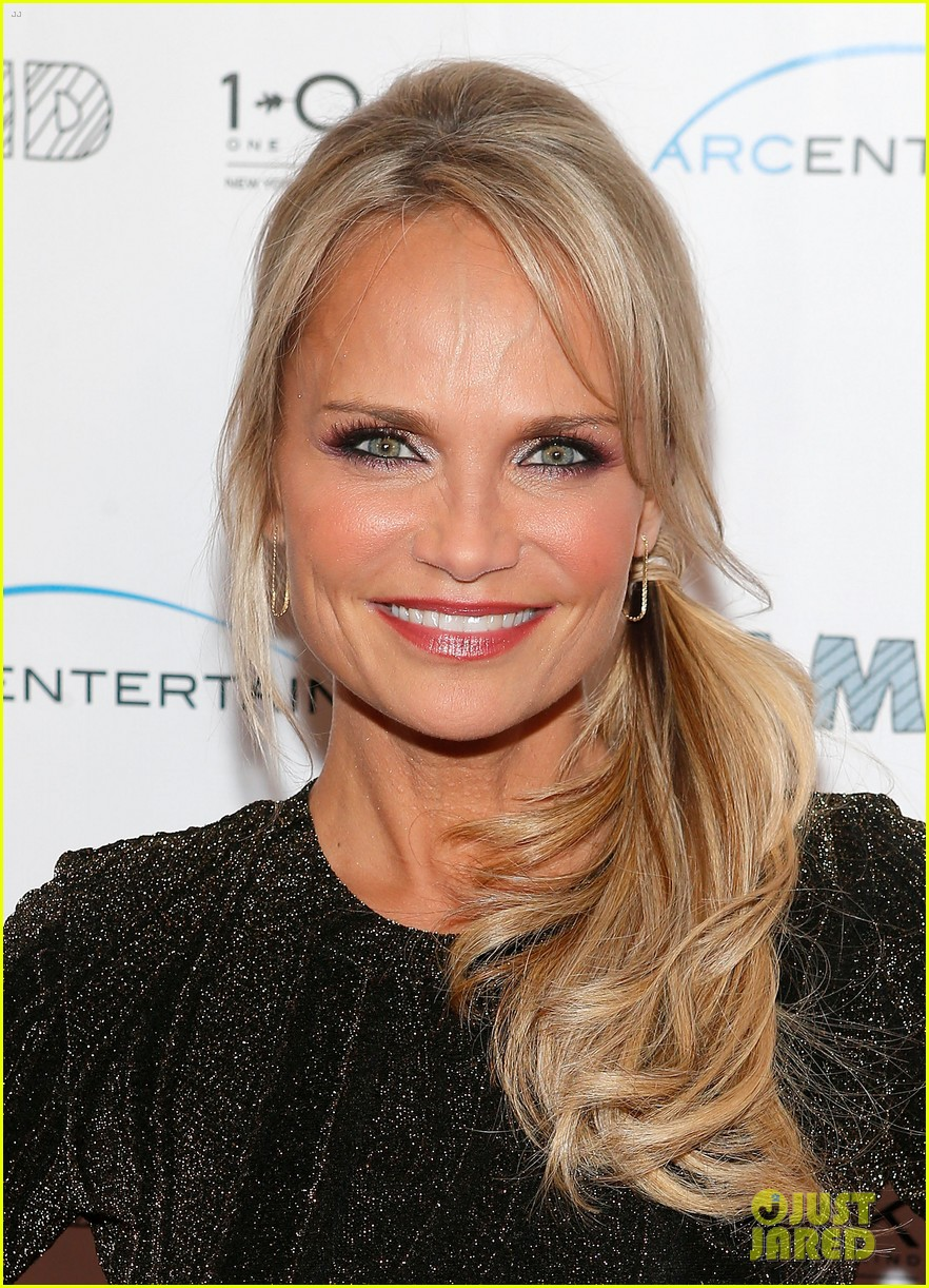 kristin chenoweth oleysa rulin family weekend premiere 02