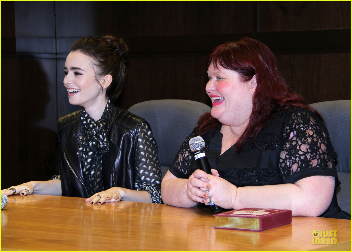 lily collins clockwork princess book release 11