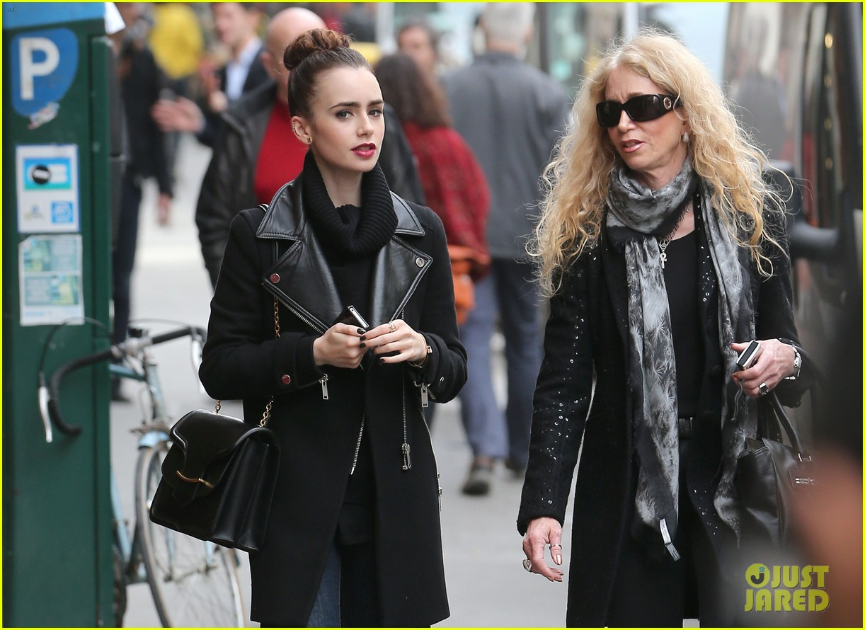 lily collins elizabeth olsen paris fashion week fun 15