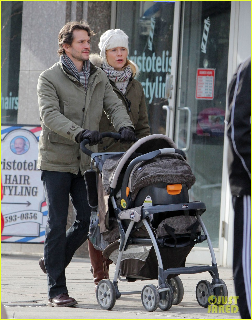 claire danes hugh dancy family day with baby cyrus 21