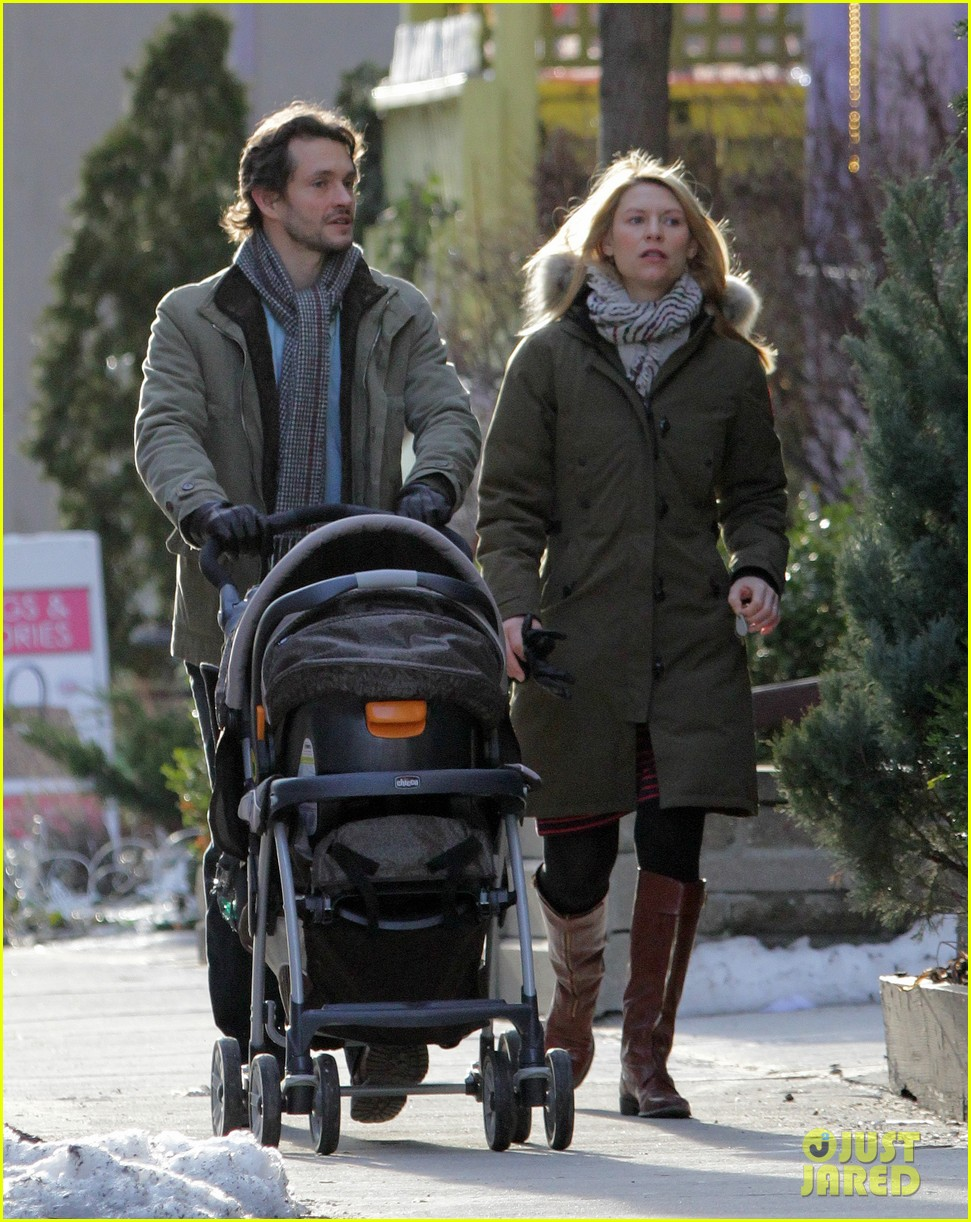 claire danes hugh dancy family day with baby cyrus 272828272