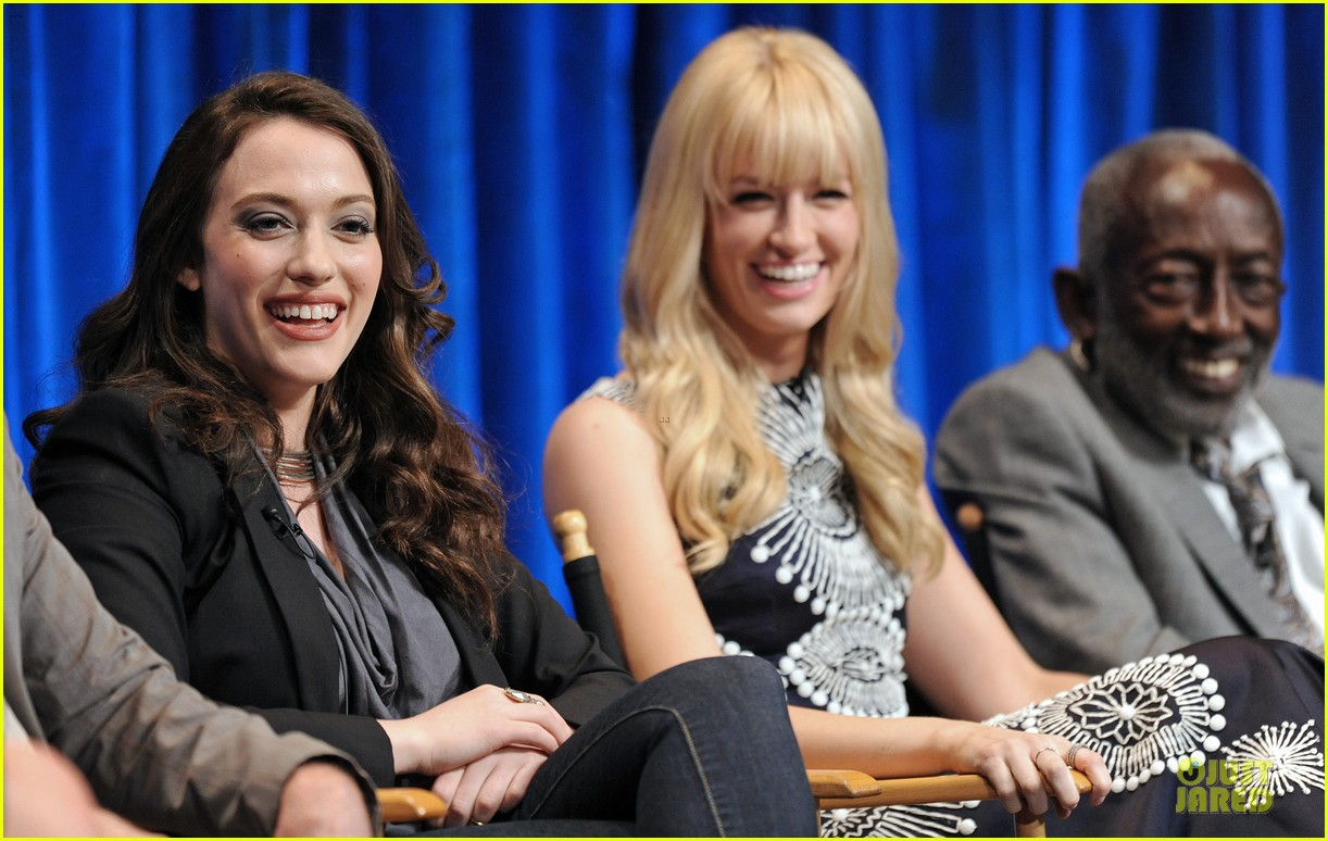 kat dennings beth behrs paleyfest with 2 broke girls cast 112830896