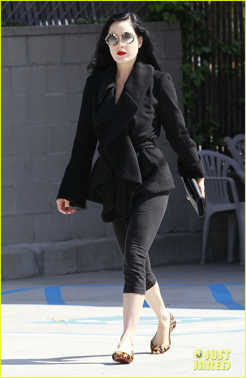 dita von teese back on the saddle with dressage lessons 112835637