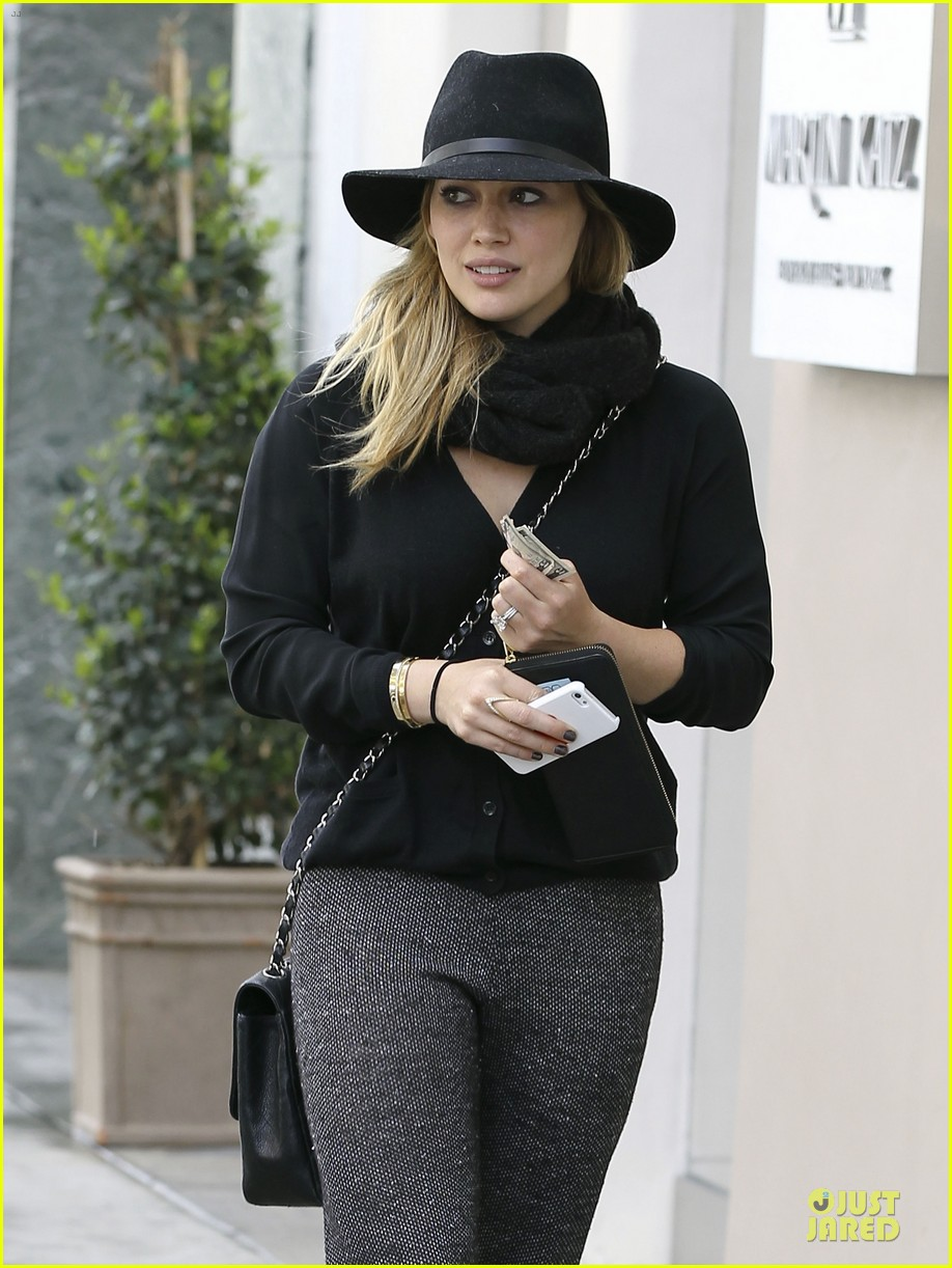 hilary duff mike comrie birthday party with luca 20