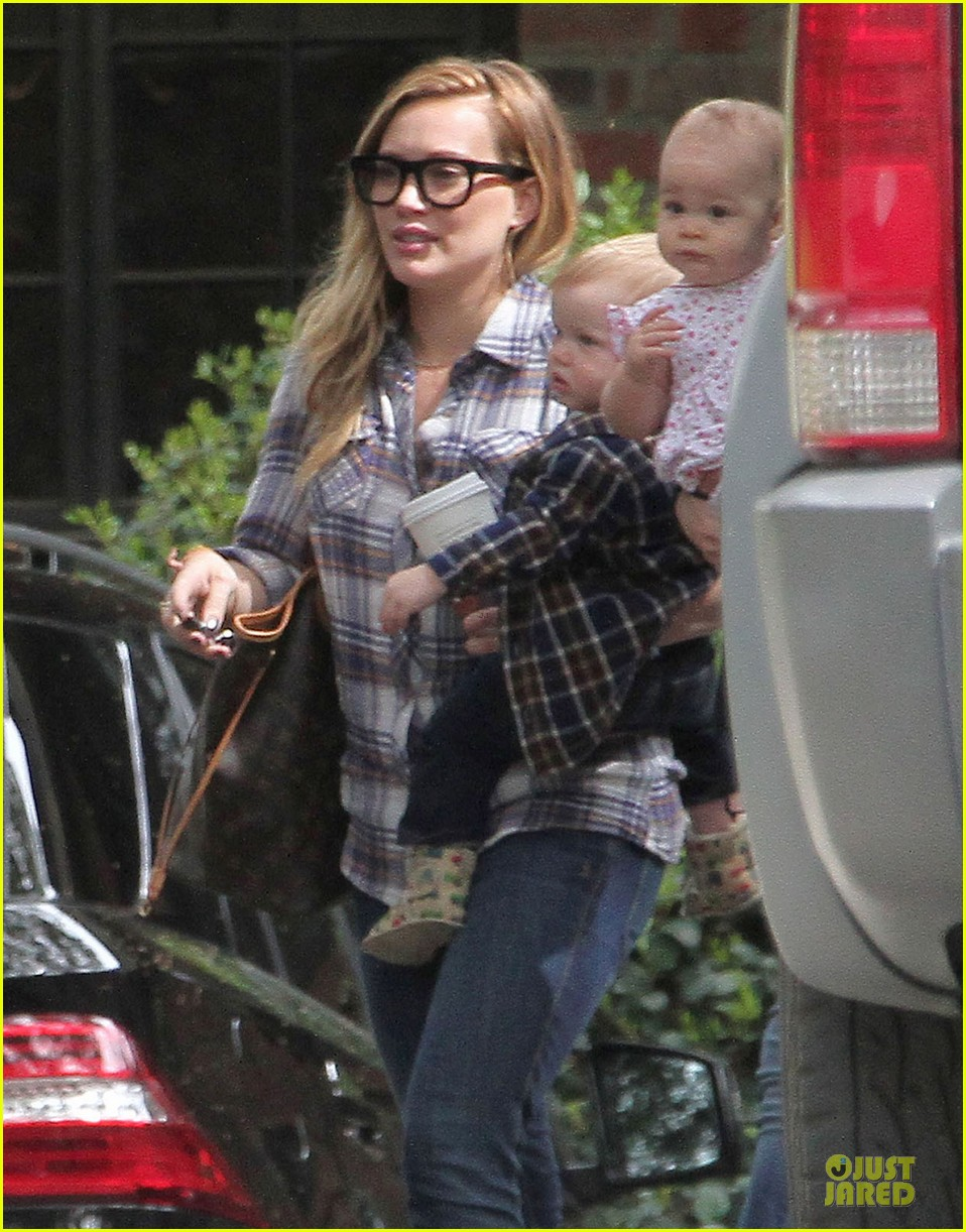 hilary duff mike comrie birthday party with luca 24