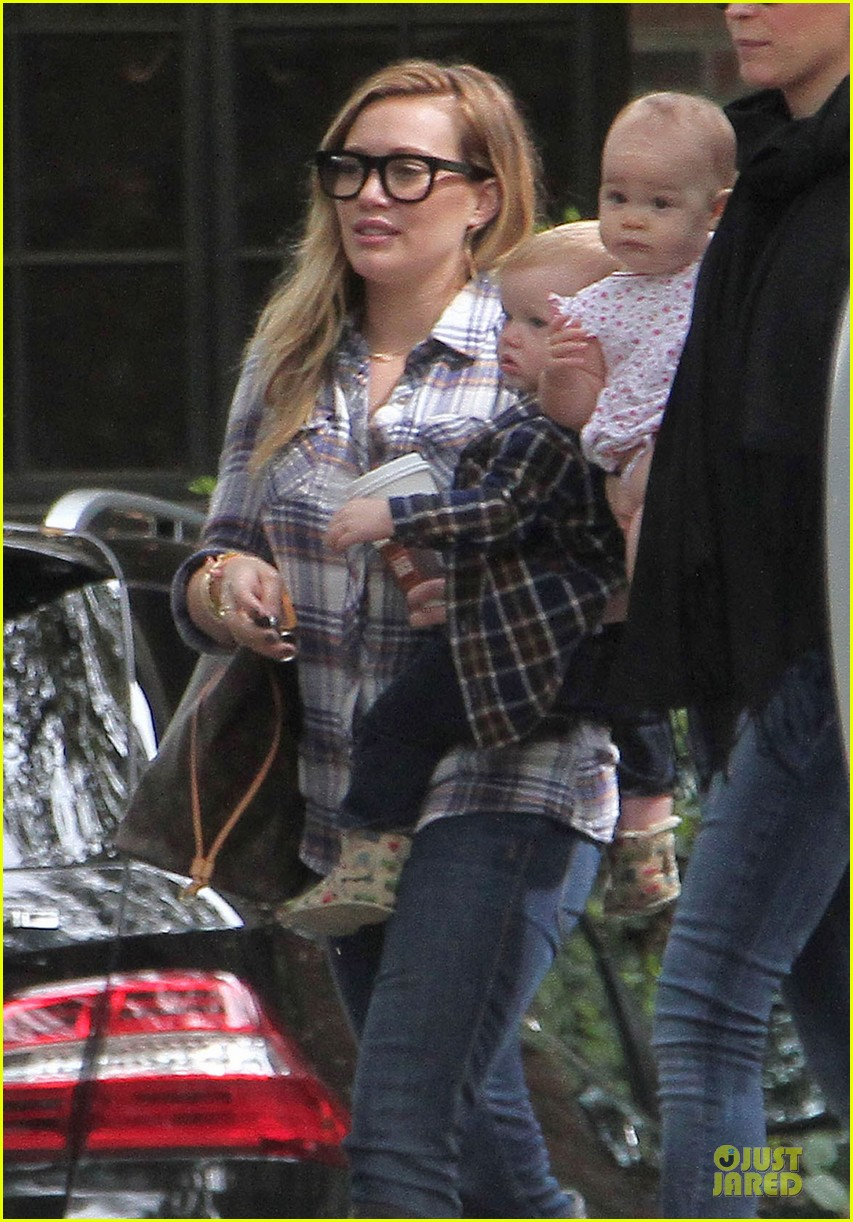 hilary duff mike comrie birthday party with luca 252828025
