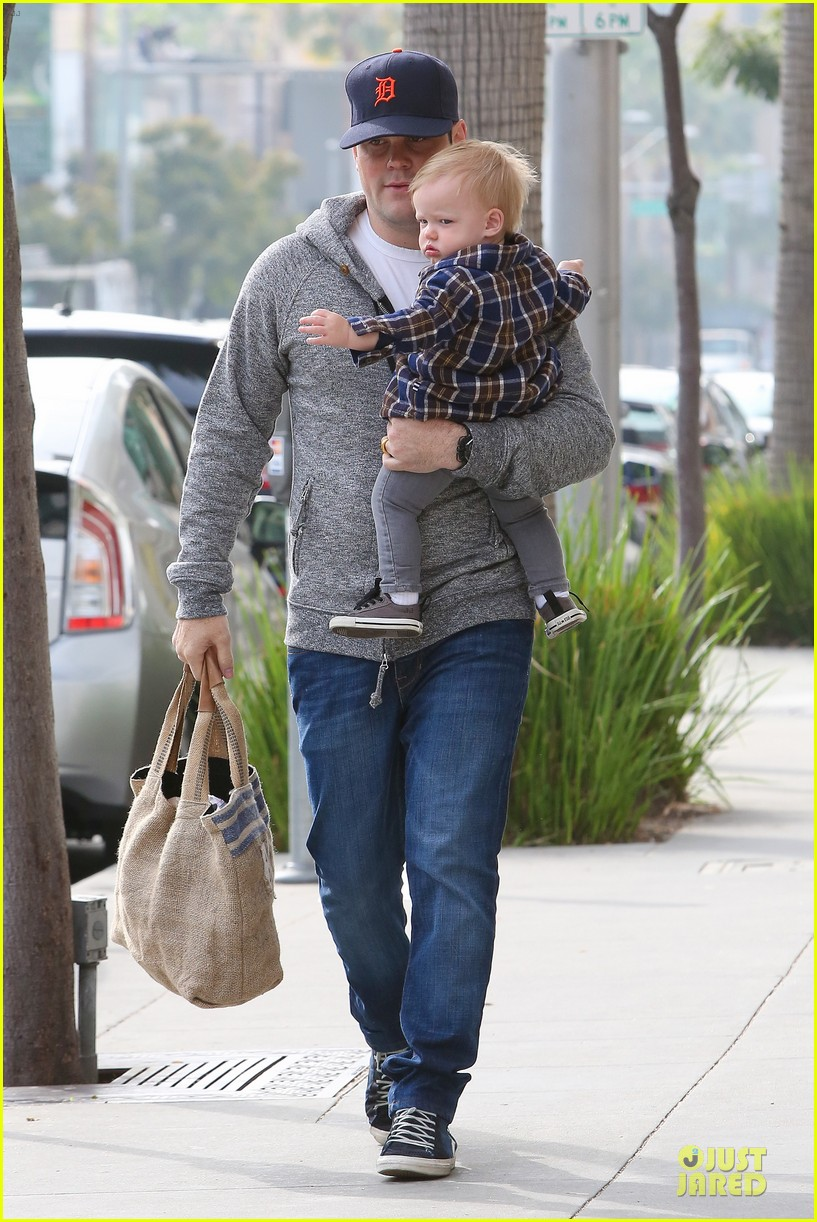 hilary duff bonding with sister in law elizabeth 01