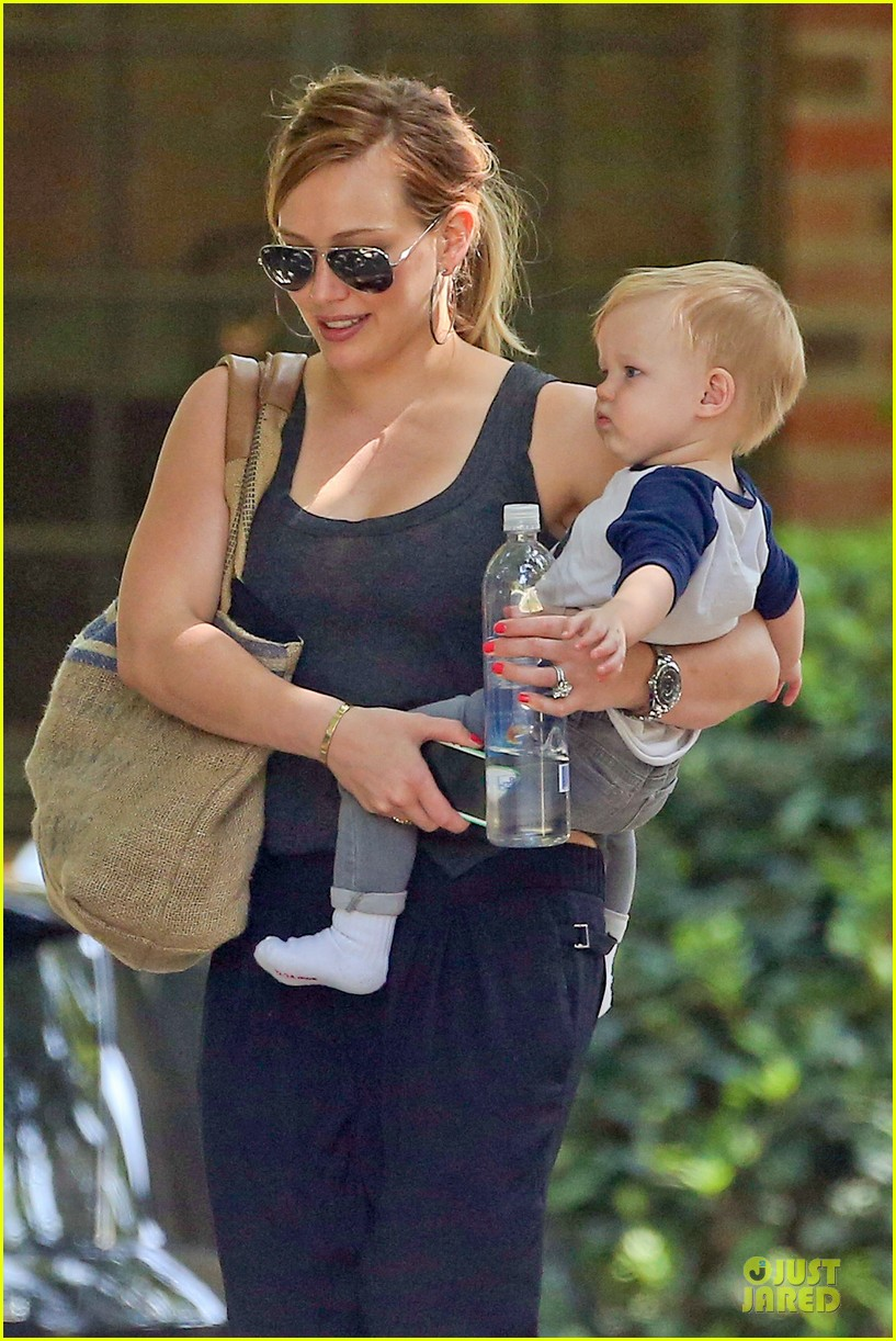 hilary duff bonding with sister in law elizabeth 02