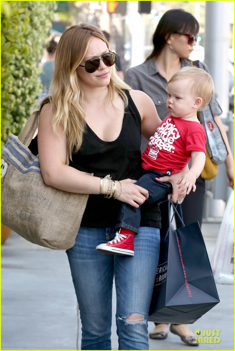 hilary duff daily grill lunch stop 042836055