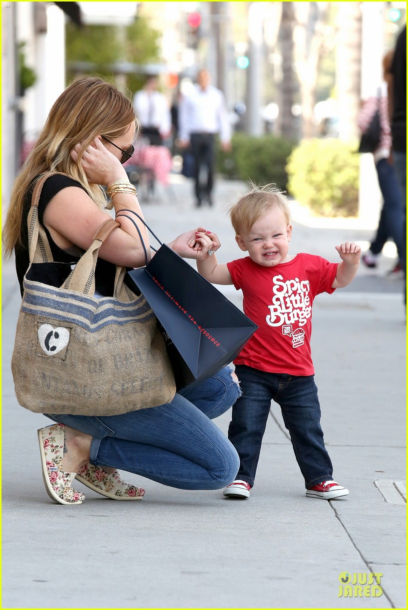hilary duff daily grill lunch stop 06
