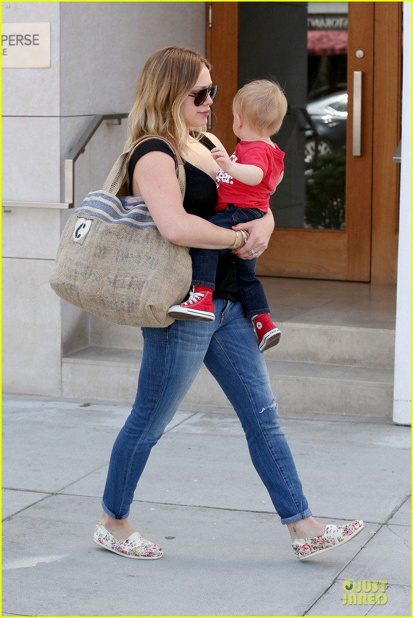 hilary duff daily grill lunch stop 172836068