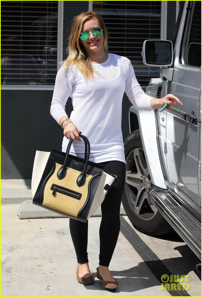 hilary duff la outing with sleepy luca 15