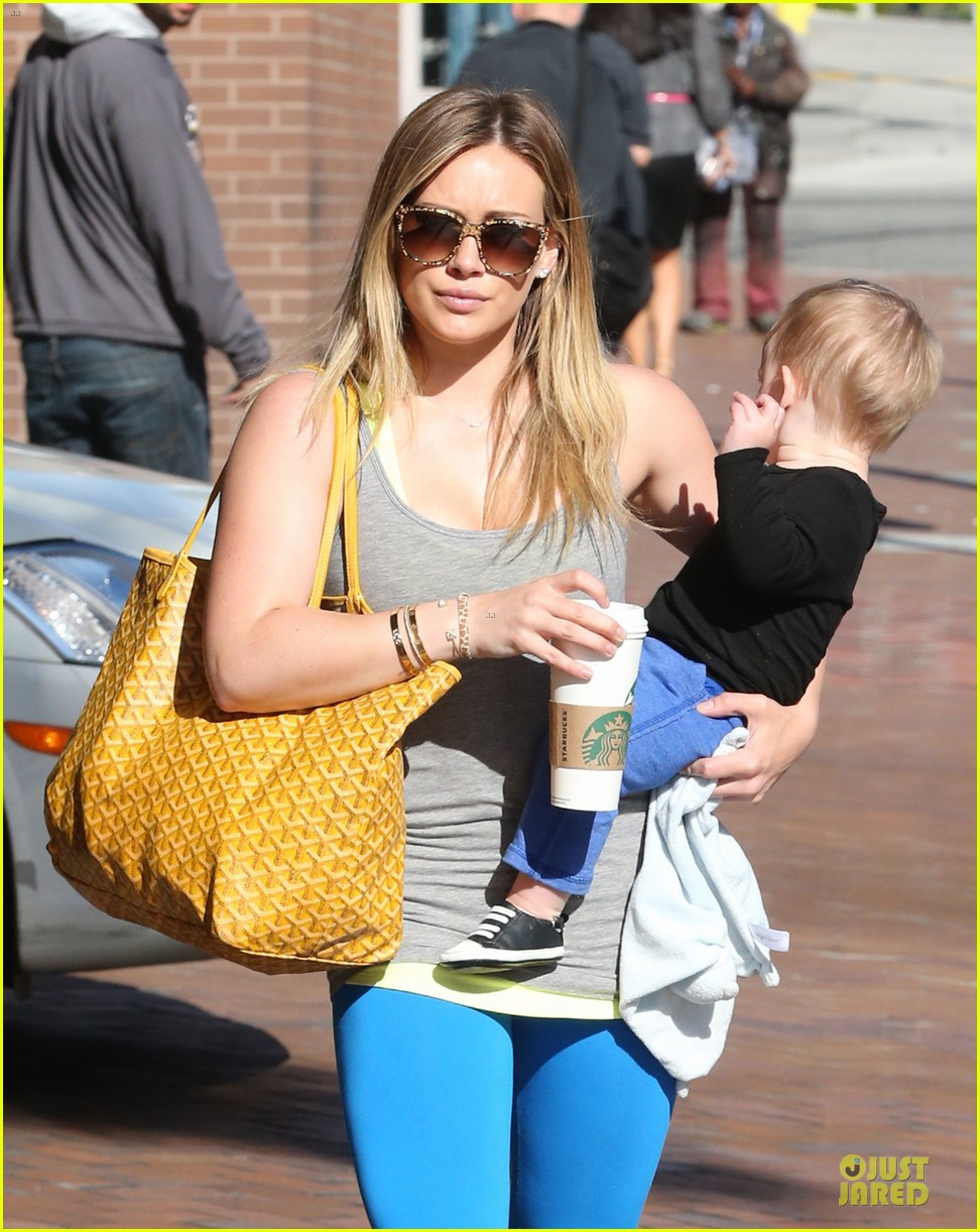hilary duff plaid breakfast with luca 04