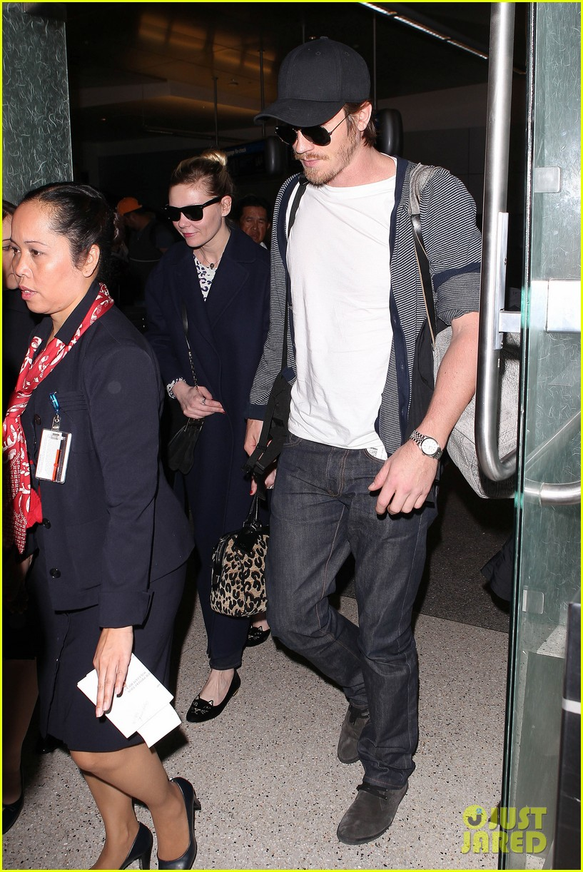 kirsten dunst garrett hedlund paris to los angeles 01