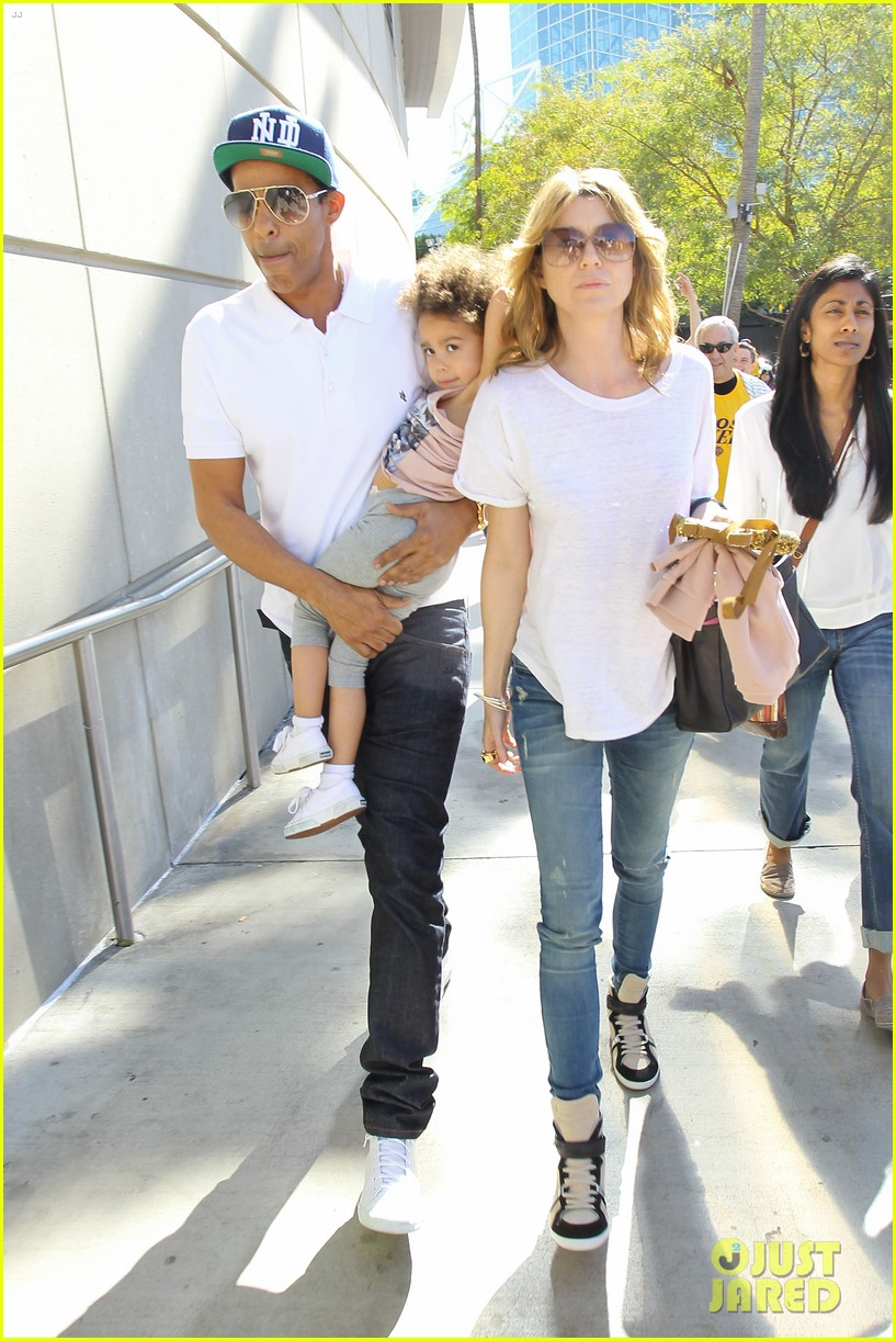 ellen pompeo chris ivery lakers game with stella 04