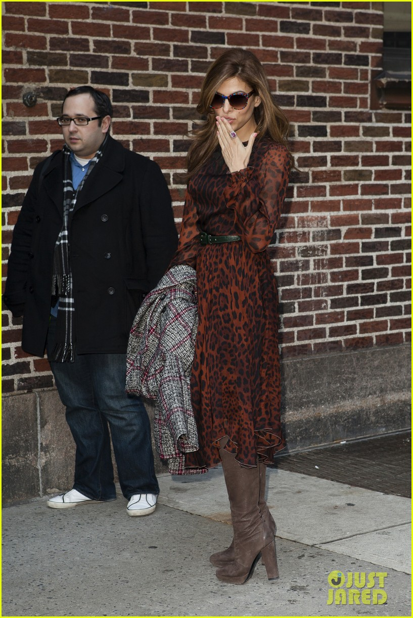 eva mendes late show appearance 10