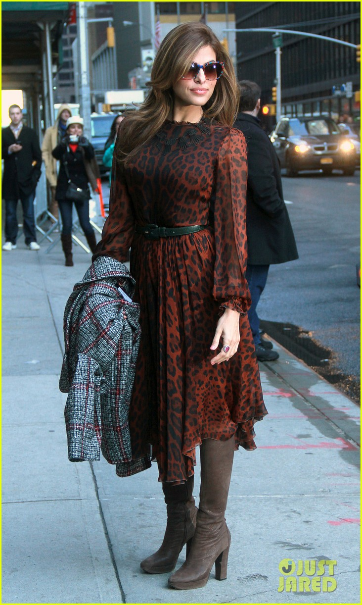 eva mendes late show appearance 13