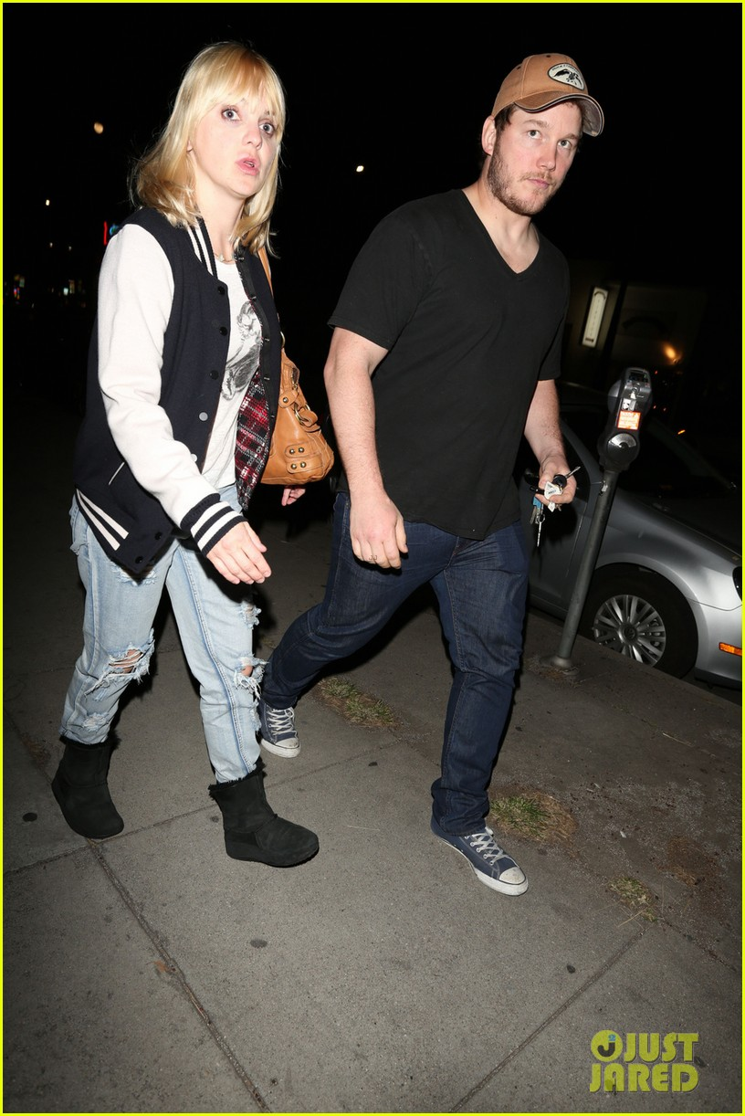 anna faris chris pratt birthday party pair 10